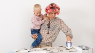 家事と育児の男女負担格差